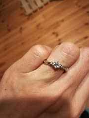 【ケイウノ ブライダル(K.UNO BRIDAL)の口コミ】 婚約指輪は要らないと言っていた私のために、彼がサプライズで用意してくれ…