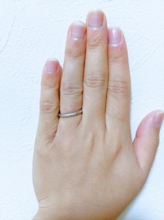 【フォーエバーマーク(FOREVERMARK)の口コミ】 同じお店で先に婚約指輪を購入していました。重ねて使えるものと思ってい…