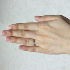 【カルティエ(Cartier)の口コミ】 プラチナのシンプルな指輪を探していて、婚約指輪もカルティエなので揃え…
