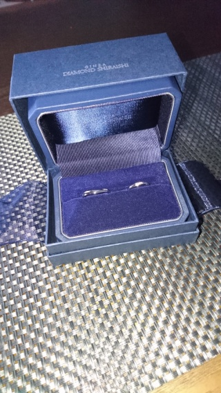 【銀座ダイヤモンドシライシの口コミ】 いろんな店舗で指輪をはめて試しましたがデザインは可愛いのはいっぱいあ…