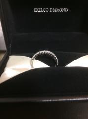 【エクセルコダイヤモンド(EXELCO DIAMOND)の口コミ】 ダイヤモンドの綺麗さが気に入ってこちらのハーフエタニティに決めました。…