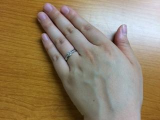 【ティファニー(Tiffany & Co.)の口コミ】 とてもシンプルな一粒ダイヤのものを探していたので、私にはとてもしっくり…