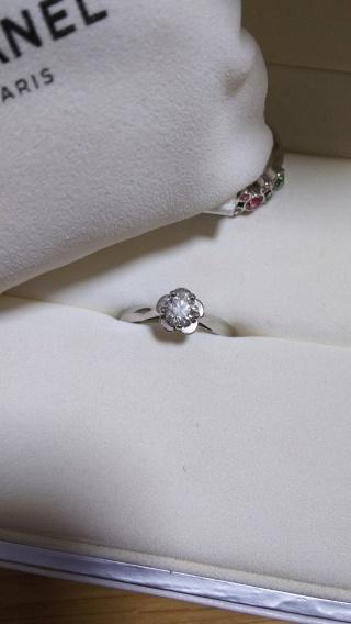【シャネル(CHANEL)の口コミ】 ズバリ、一目惚れ。 婚約指輪や結婚指輪の載った雑誌でこの指輪のデザイン…
