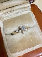 【LO COCO & KUBPARTの口コミ】 婚約指輪は人と違う思い出に残るものにしたかったのでフルオーダーでお願…