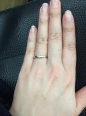 【銀座ダイヤモンドシライシの口コミ】 ゴールドとプラチナで迷っていて色んな指輪ん見てきました。やはり決めき…