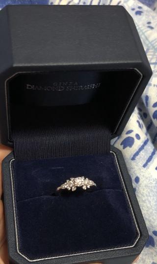 【銀座ダイヤモンドシライシの口コミ】 ショーケースの中に数ある指輪の中で、一番惹きつけるものがありました。…