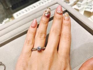 【WATANABE / 宝石・貴金属 渡辺の口コミ】 メレダイヤを付けると、中心のダイヤが目立たないかなと悩んでいたのです…