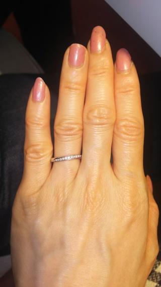 【ガラOKACHIMACHIの口コミ】 ダイヤモンドが入っている指輪を探していました。この指輪は、ダイヤモン…