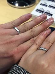 【ROYAL ASSCHER(ロイヤル・アッシャー)の口コミ】 重厚感のあるリングでしっかりした作りが特徴のあるリングです!女性側は…