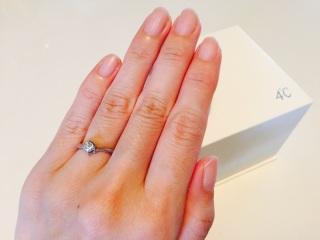 【4℃(ヨンドシー)の口コミ】 婚約指輪としてプレゼントして頂いた物なので購入の決めてではないですが…