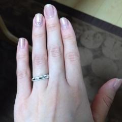 【ティファニー(Tiffany & Co.)の口コミ】 決して派手ではないけれど、細かいミル打ちが綺麗に施され、宝石が付いて…