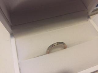 【THE KISS(ザ・キッス)の口コミ】 婚約指輪が傷つきやすいものだったので、プラチナと決めていました。 お店…