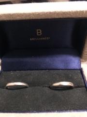 【BRILLIANCE+(ブリリアンスプラス)の口コミ】 シンプルだけど、指になじむデザインを探していました。こちらの指輪は、…