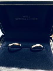 【銀座ダイヤモンドシライシの口コミ】 似ているデザインをダイヤの配置で迷っていたのですが最終的にこの指輪が1…