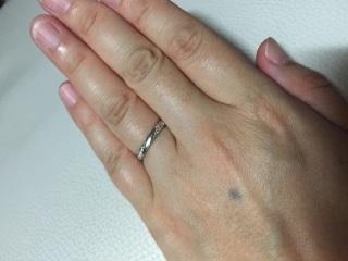 【エクセルコダイヤモンド(EXELCO DIAMOND)の口コミ】 ダイヤモンドが使われていつつ日常使いできるデザインを探していました。い…