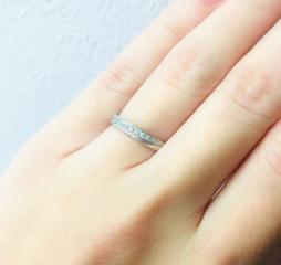 【L'or(ロル)の口コミ】 婚約指輪をもらってないので結婚指輪はちょっと石がたくさん入ってる華や…