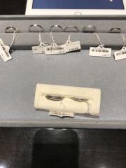 【ケイウノ ブライダル(K.UNO BRIDAL)の口コミ】 一から指輪のデザインを作成し、世界にひとつだけのリングを作ってくれま…