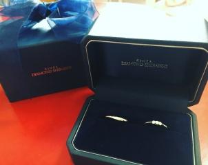 【銀座ダイヤモンドシライシの口コミ】 1番の決め手はやはり指輪のデザインです。いくつもの指輪を見てきて、デ…