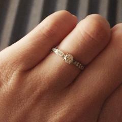 【ティファニー(Tiffany & Co.)の口コミ】 ダイヤの輝きが他ブランドとは全く違いました!! 店内の照明のせいかな?…