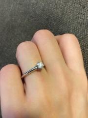 【ティファニー(Tiffany & Co.)の口コミ】 とにかく王道である立て爪ダイヤの結婚指輪に強い憧れがありました。 6つ…