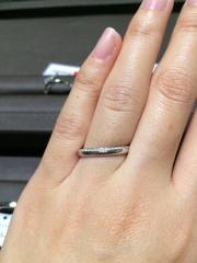 【アイプリモ(I-PRIMO)の口コミ】 上半分にメレダイヤが付いてとても綺麗です。キラキラし過ぎかなって気に…