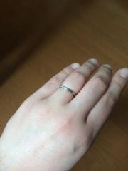 【JEWELRY  KAMATA(ジュエリーかまた)の口コミ】 店内に入ってすぐ、店員さんに紹介されたリングに一目惚れしました。他の…