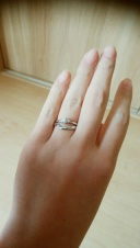 【SIND BAD(シンドバット)の口コミ】 結婚指輪はウェーブタイプが欲しいと思っていたのでそれに。婚約指輪はオ…