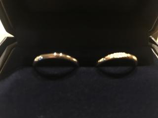 【銀座ダイヤモンドシライシの口コミ】 裏がスベスベで非常に良かった。 そこが最大のポイントだった。 デザイン…
