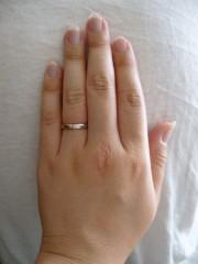 【AFFLUX(アフラックス)の口コミ】 初めは別の指輪を見にいったのですが、この指輪はセミオーダーで選択肢がた…