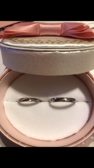 【insembre(インセンブレ)の口コミ】 価格も予算に合い、シンプルなデザインで気に入りました。女性の指輪には…