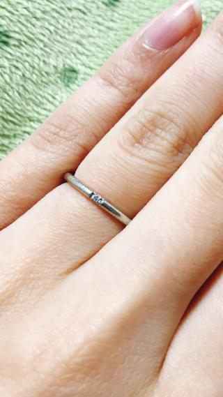 【4℃(ヨンドシー)の口コミ】 もともと4℃のブランドが大好きで、結婚指輪はここと決めていました。 指輪…