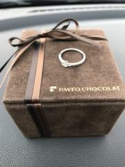 【PAVEO CHOCOLAT(パヴェオショコラ)の口コミ】 試着して一目惚れをしました‼︎ 婚約指輪だけでもかわいい、結婚指輪と合わ…