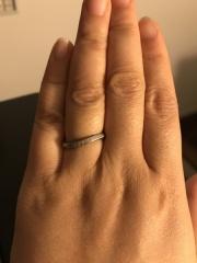 【アイプリモ(I-PRIMO)の口コミ】 流線型のダイヤのラインが指を細く見せてくれる感じが気に入りました。価…