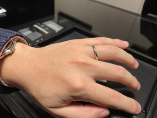 【エクセルコダイヤモンド(EXELCO DIAMOND)の口コミ】 普段指輪をつけない男性でも、つけていて違和感のないものを探していまし…