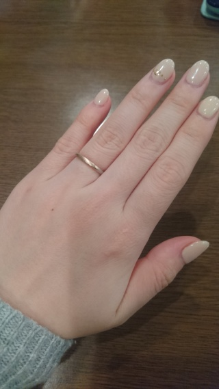 【mina.jewelry(ミナジュエリー)の口コミ】 新郎新婦で、指輪の形(まるしかく)と、ベースの金属(プラチナ)は同じ物に…