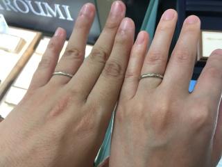 【HIROUMI(ヒロウミ)の口コミ】 指輪の厚さがどうしても気になり、いろいろなブランドを試着しました。デ…