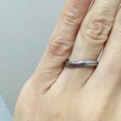 【銀座ダイヤモンドシライシの口コミ】 婚約指輪を先に頂いていたので、セットリングにできるようなデザインを探…