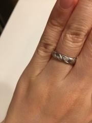 【ショーメ(CHAUMET)の口コミ】 なんと言っても着け心地が最高でした。 結婚指輪は、何十年と毎日つけるも…