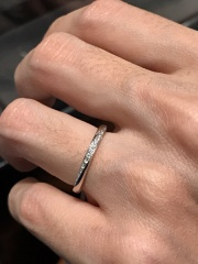 【アイプリモ(I-PRIMO)の口コミ】 品質の良いいろいろなサイズのダイヤモンドが埋め込まれており、存在感の…