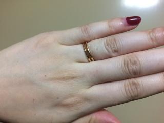 【エルメス(HERMES)の口コミ】 結婚指輪を購入の際に主人が普段指輪をつけない人なので、シンプルで長く…