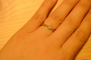 【Pink Dolphin Diamond(ピンクドルフィンダイヤモンド)の口コミ】 当時、イルカモチーフが好きで、たまたま結婚指輪を探していた時にイルカが…