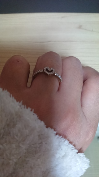 【ジュエリーツツミ(JEWELRY TSUTSUMI)の口コミ】 ダイヤモンドがいっぱいの所とハートの形、ピンクゴールドがとても可愛ら…