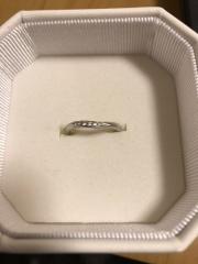 【4℃(ヨンドシー)の口コミ】 婚約指輪が4℃だったので結婚指輪も同じブランドで揃えたかったからです!…