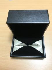 【エクセルコダイヤモンド(EXELCO DIAMOND)の口コミ】 指輪のデザインが気に入って購入しました。お店をいくつか周っている最中…