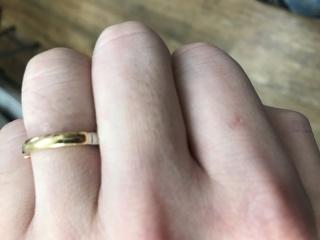 【4℃(ヨンドシー)の口コミ】 イエローゴールドのデザイン性と指輪をはめた際のピッタリ感が良かったの…