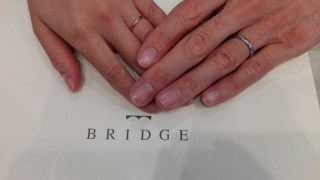【BRIDGE(ブリッジ)の口コミ】 シンプルで飽きの来ない、でも少しだけ特徴があるデザインを探していまし…