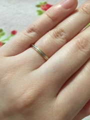 【ティファニー(Tiffany & Co.)の口コミ】 ダイヤモンドが装飾されているものと迷いましたが、ダイヤだと衝撃で落ち…