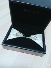 【エクセルコダイヤモンド(EXELCO DIAMOND)の口コミ】 婚約指輪との相性・ダイヤモンドの美しい輝き・繊細なデザインが気に入り…