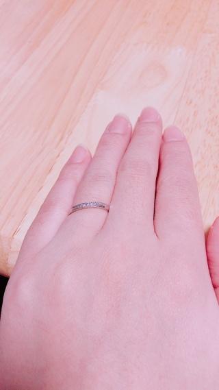 【組曲ジュエリーの口コミ】 まず一目惚れしました! 色々見てきた中であっこれがいいと 思えた指輪に…