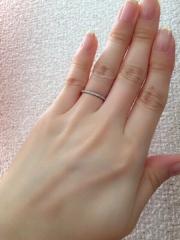 【スタージュエリー(STAR JEWELRY)の口コミ】 貰った婚約指輪と同じブランドで、組み合わせて楽しむ事が出来るデザイン…